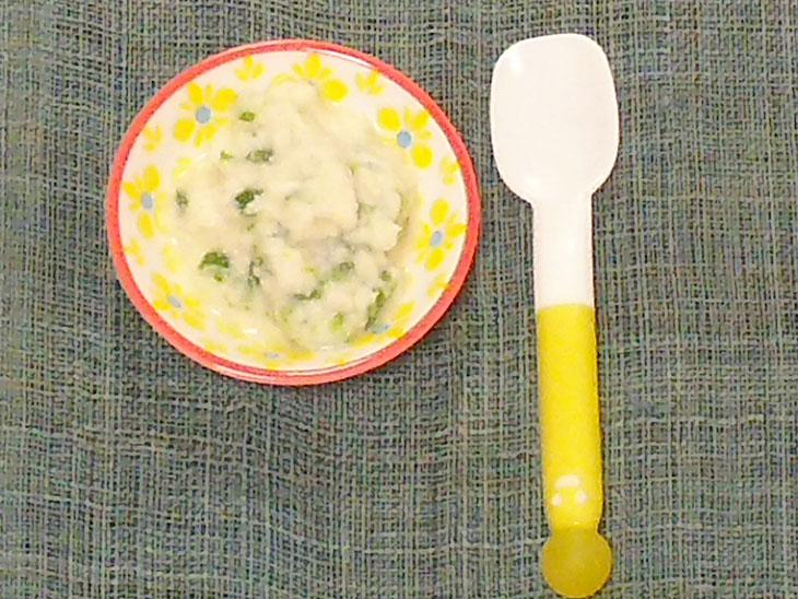 離乳食中期レシピ「アスパラガスの粉豆腐煮」の完成品