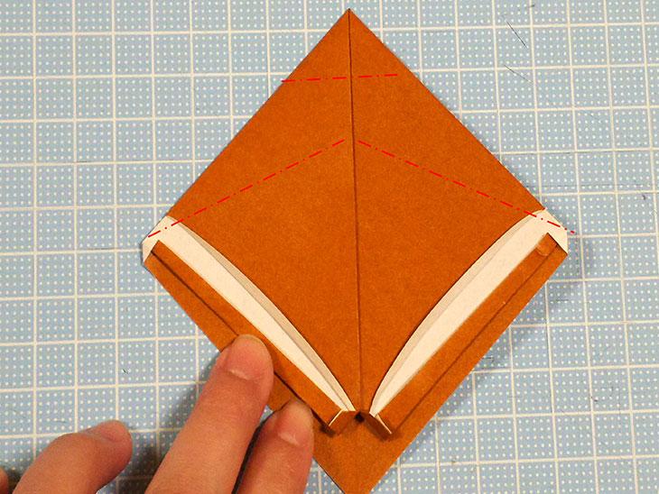 折り紙一枚で作るリアルな柴犬の折り方の工程3