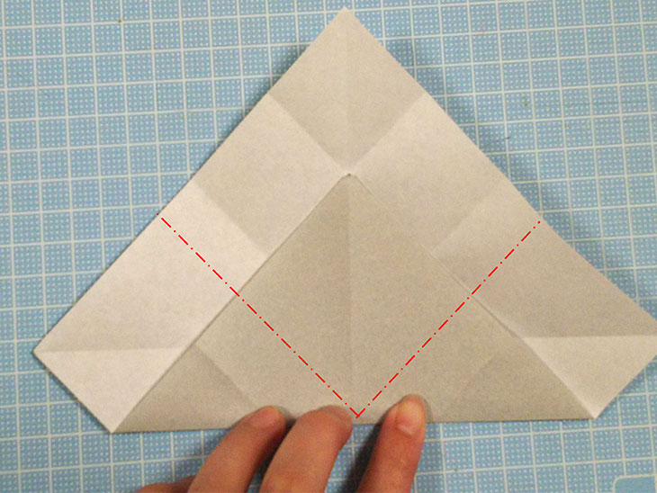 折り紙一枚で作る全身犬の立体ドーベルマンの折り方の工程2