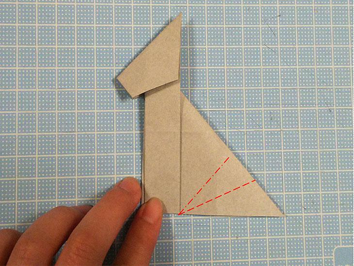 折り紙一枚で作る全身犬の立体ドーベルマンの折り方の工程5