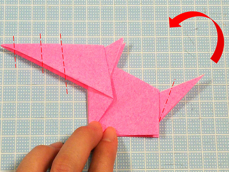 折り紙一枚で作る立体の全身テリアの折り方の工程5