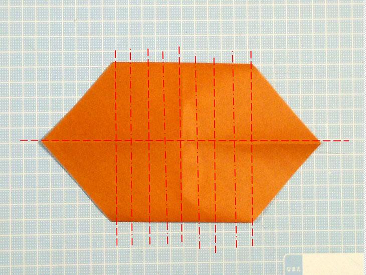 折り紙一枚で作る動くダックスフンドの折り方の工程2