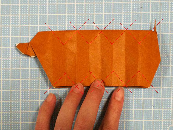 折り紙一枚で作る動くダックスフンドの折り方の工程5