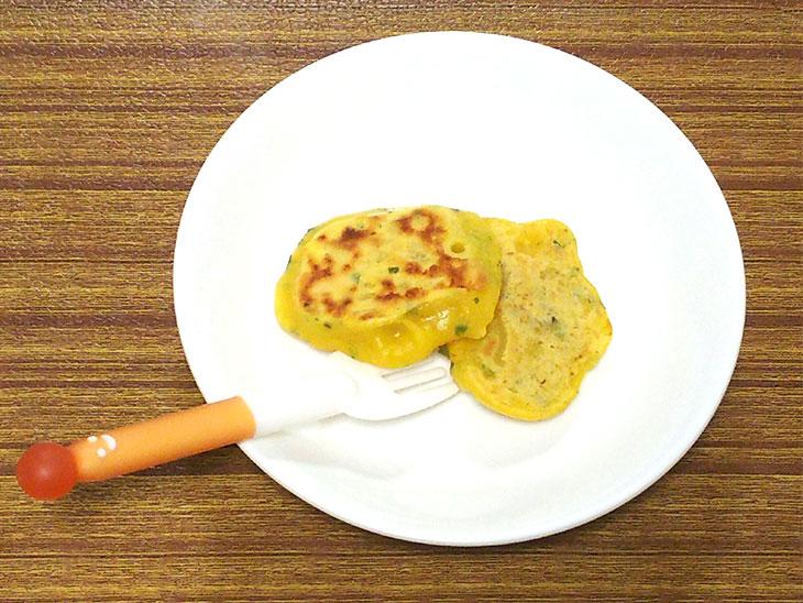 離乳食後期レシピ「かぼちゃと青のりのおやき」の完成品