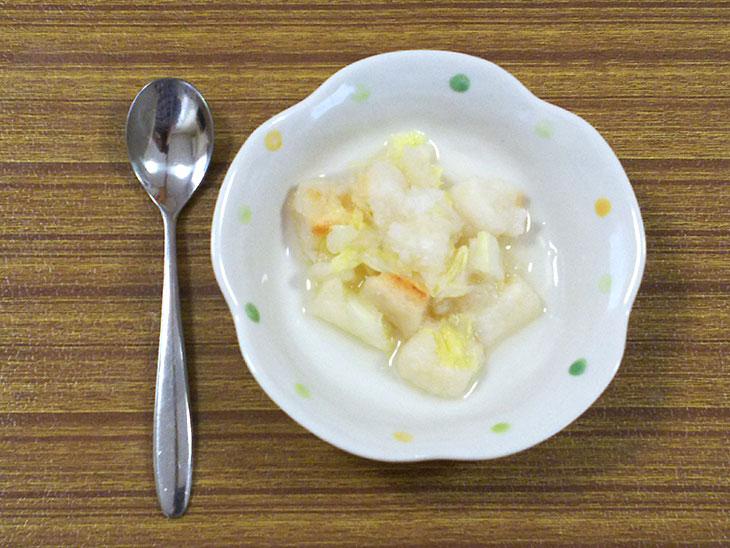 離乳食後期レシピ「白菜と麩のみぞれ煮」の完成品
