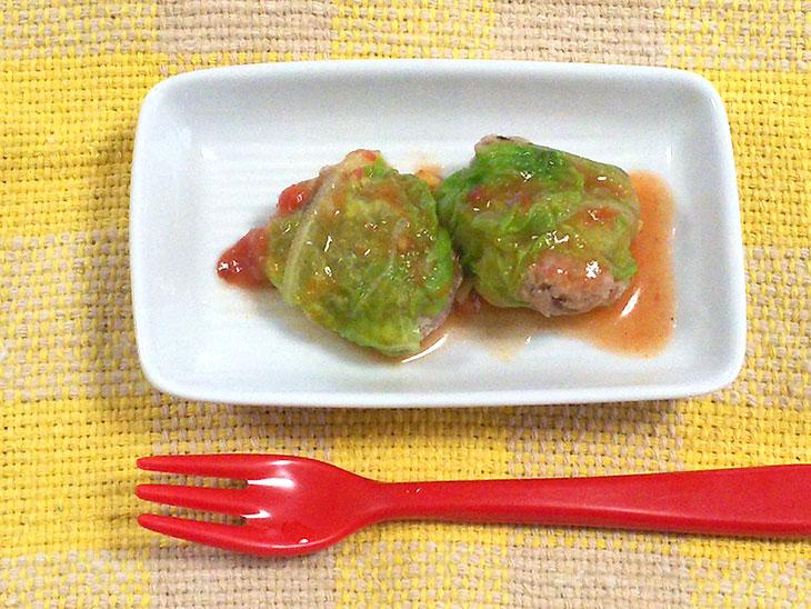 離乳食完了期レシピ「白菜ロールのトマト煮込み」の完成品