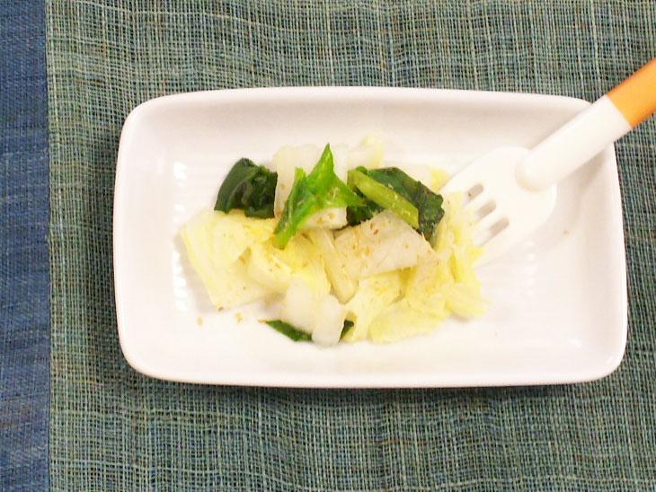 離乳食完了期レシピ「白菜とほうれん草のだし煮」の完成品