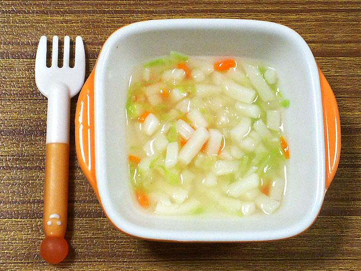 離乳食中期「キャベツのトロトロうどんのレシピ」の完成品