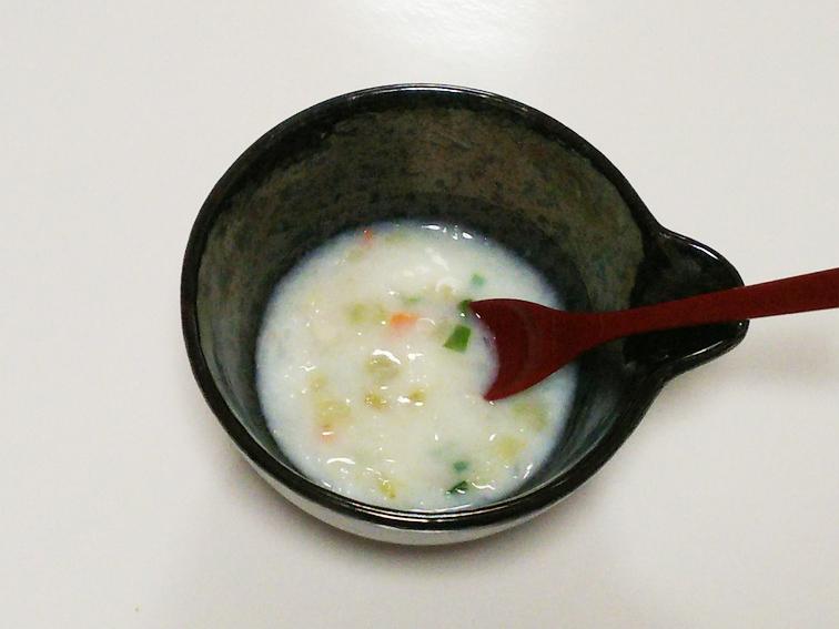 離乳食中期のおすすめナスレシピ「ナスとじゃがいものミルクシチュー」の完成品