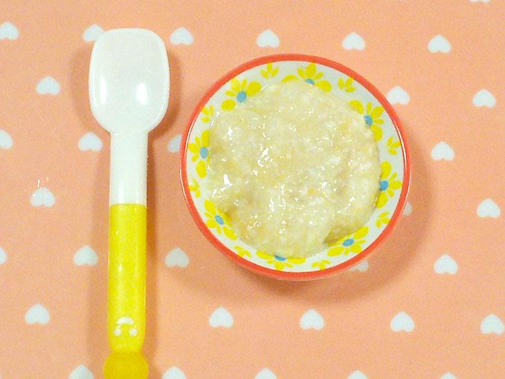 離乳食初期の豆腐おすすめレシピ「豆腐とバナナのトロトロペースト」の完成品