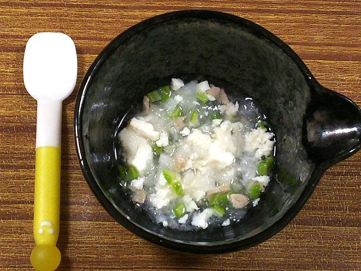 離乳食中期のオクラおすすめレシピ「オクラとツナのみぞれ煮」の完成品
