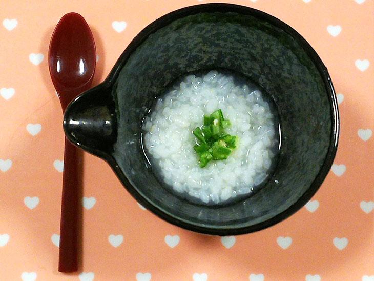 離乳食中期のオクラおすすめレシピ「オクラのお粥」の完成品