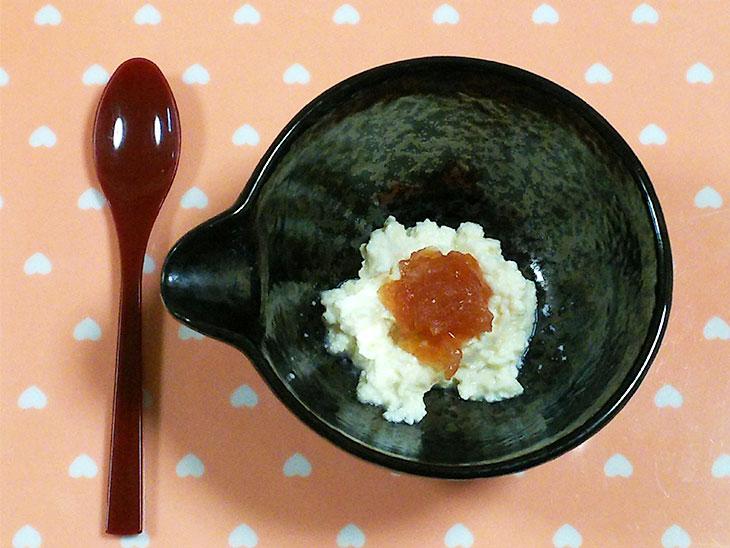 離乳食中期のトマトおすすめレシピ「豆腐のみぞれ煮トマトあんかけ」の完成品
