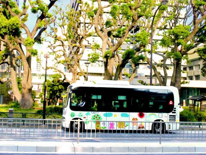 保育園の送迎バス