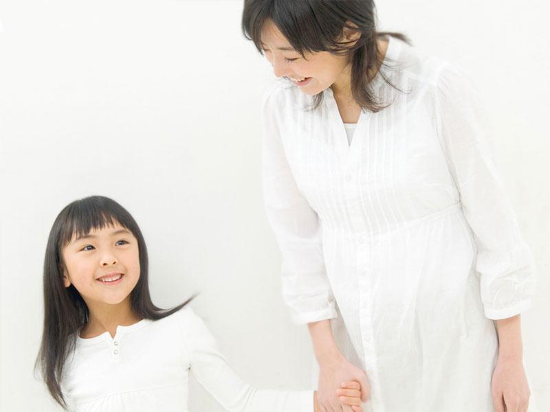 お母さんと娘(親子)