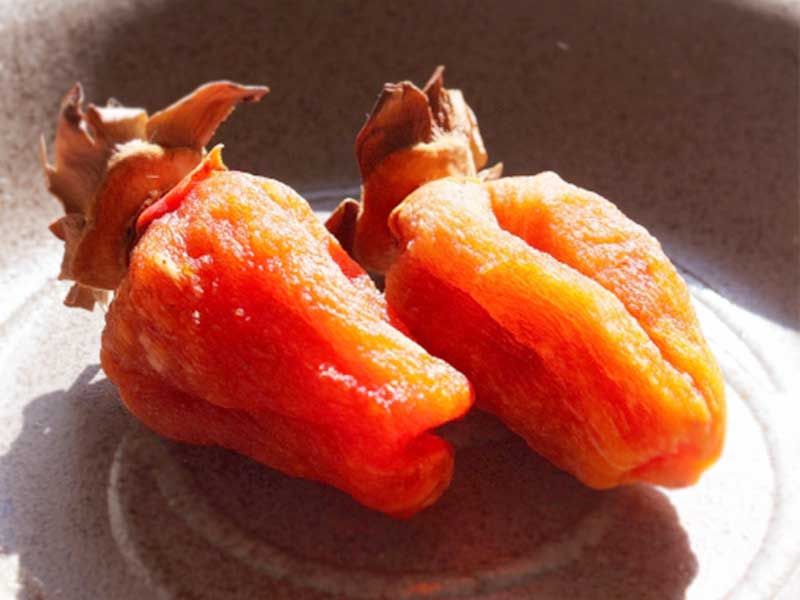 お皿に乗った干し柿