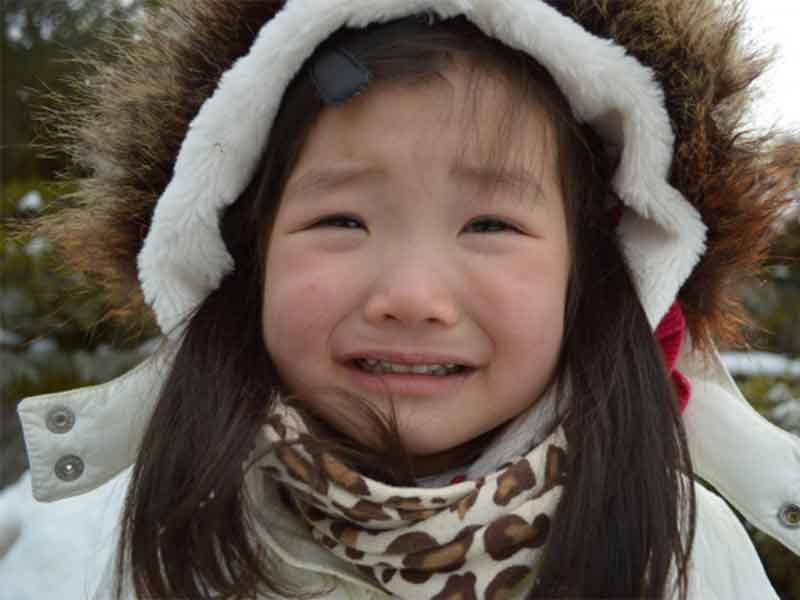 子供の泣き顔