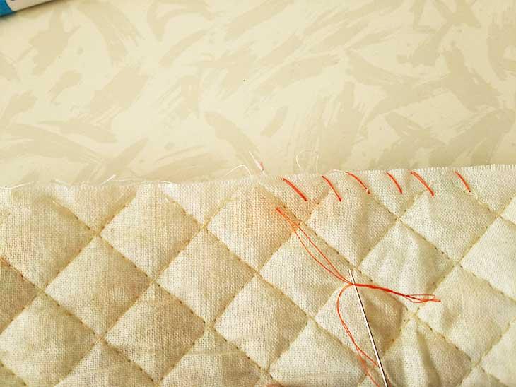 通園バッグの端がほつれないようにかがり縫い