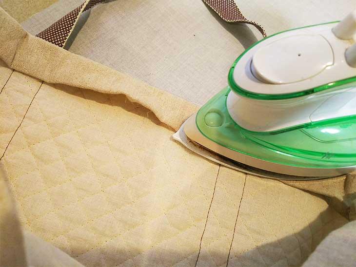 通園バッグの袋口部分を本体布地を2回折り返して作る