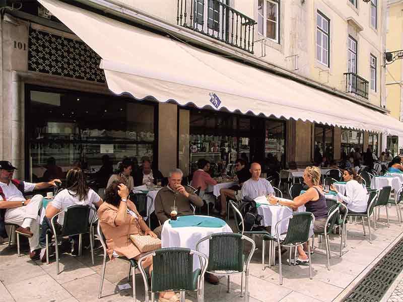 海外のオープンテラスレストラン