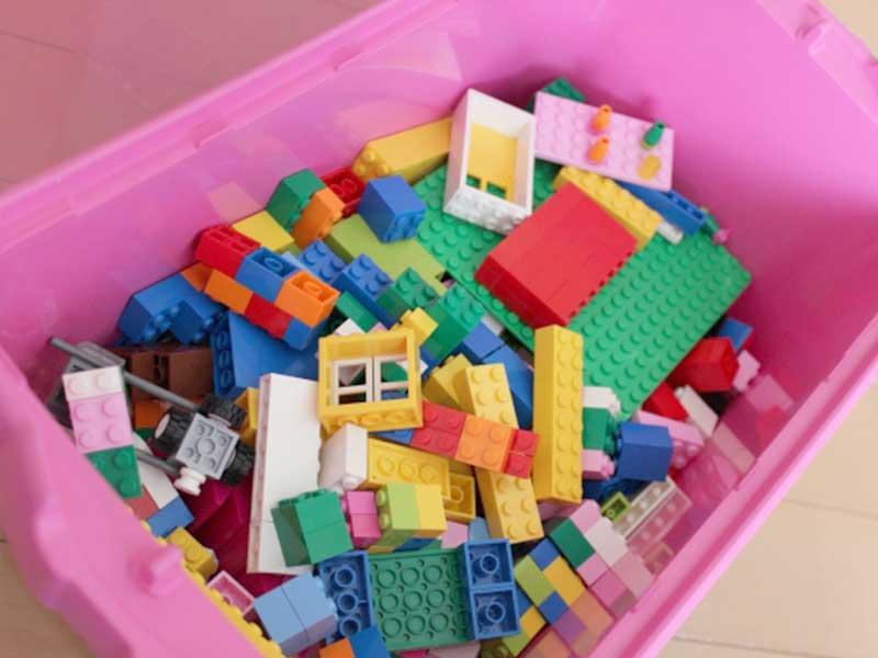 プラスチックのブロック