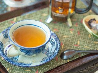 紅茶とスプーン
