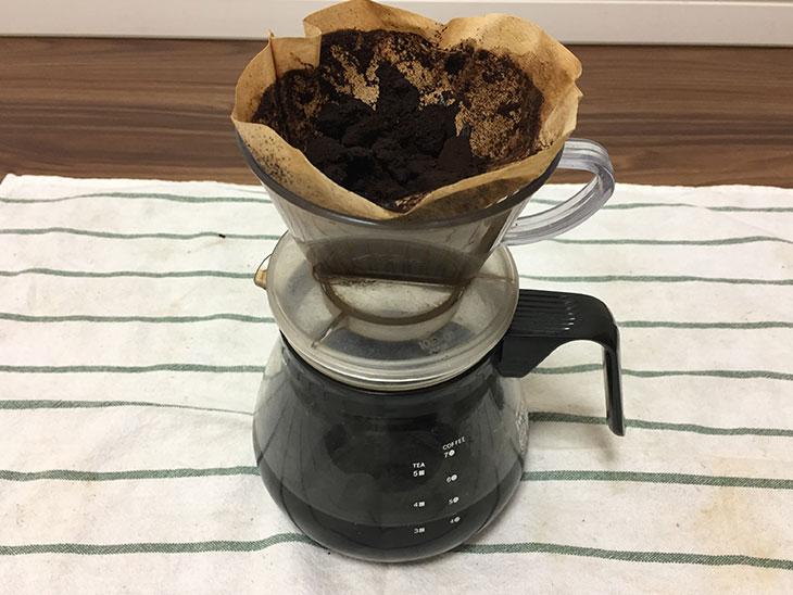 ドリップしたコーヒーかす
