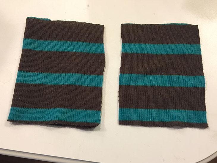内袋の大きさに切られた2枚の布