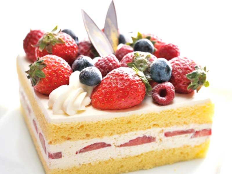 苺ホールケーキ