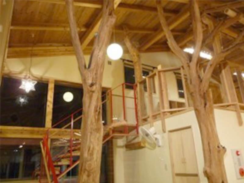 自然木を使ったあがた幼稚園